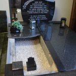 Grafsteen liggende letterplaat